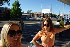 the White women at ted drewes (lolololori) Tags: family vacation stlouis stl laborday expat whitegirls hometowntourist johnmundy mombrokenleg