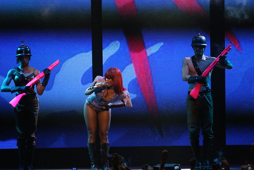 rihanna 2011 tour. RIHANNA 2011 Last Girl on