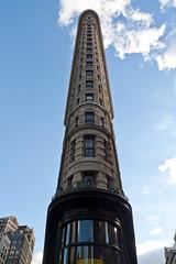 Flatiron Building (1hr photo) Tags: nyc newyorkcity newyork skyline skyscraper broadway 5thavenue fifthavenue flatironbuilding flatiron 22ndstreet madisonsquare 23rdstreet fullerbuilding