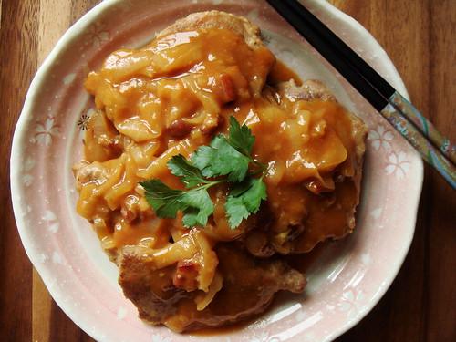 Onion Braised Pork Chop in Tomato Sauce 茄汁洋蔥豬排