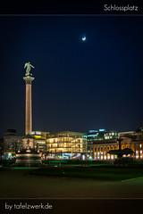 Stuttgart Schlossplatz (Tafelzwerk) Tags: moon art museum square mond nikon stuttgart kunst dri schlossplatz hdr hdri 18mm stuttgartschlossplatz d3000 nikond3000 tafelzwerk tafelzwerkde