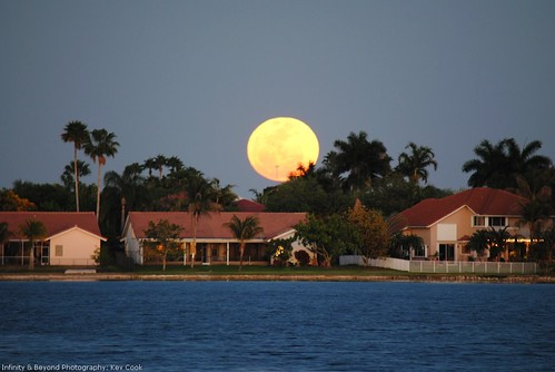 Super Moon rising March 19, 2011.