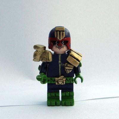 Custom minifig Judge Dredd minifig