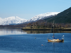 Boat on Loch Leven (DMeadows) Tags: lake mountains nature water scotland countryside boat highlands vessel hills glencoe remote loch leven lochleven davidmeadows dmeadows northballachullish yahoo:yourpictures=waterv2