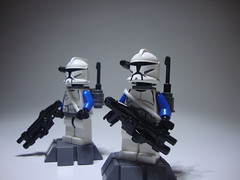 The Dynamic Duo! (jestin pern) Tags: trooper star lego double corps wars minifigs clone pilots legion engineers minifigures 457th 707th