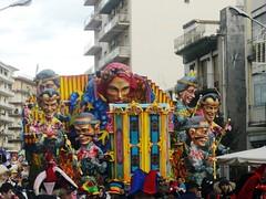 CIMG4967 (i_Bluesky) Tags: show carnival flowers ct il di sicily fiori carnevale bel carta catania sicilia carri aci maschera acireale manifestazione pesta pi allegorici grottesco infiorati ibluesky acese