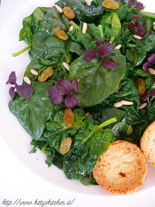 Insalata tiepida di spinaci con shiso
