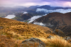 Lake Hayes & Arrowtown || REMARKABLES || QUEENSTOWN (rhyspope) Tags: nz new zealand remarkable lake hayes arrowtown fall autumn view vista rhys pope rhyspope canon 5d mkii cloud mist fog hills mountains nature