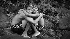 Good friends retain their warmth... (carf) Tags: children child kids childrenatrisk risk boys streetkids streetchildren social socialresponsibility brasil brazil brazilian bw blackwhite black light dark hummingbird kolibri beijaflor monochrome blackandwhite people groupshot nature natural forest mataatlntica rainforest waterfall river cold wet rodrigo danilo hugs hugging warm warmth bodylanguage