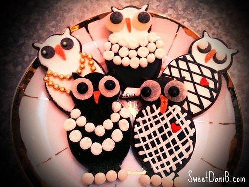 SweetDaniB Chanel Owls Cookies