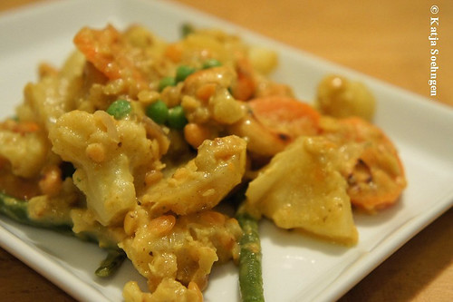 Vegetable Curry with Pineapple and Cashew Nuts