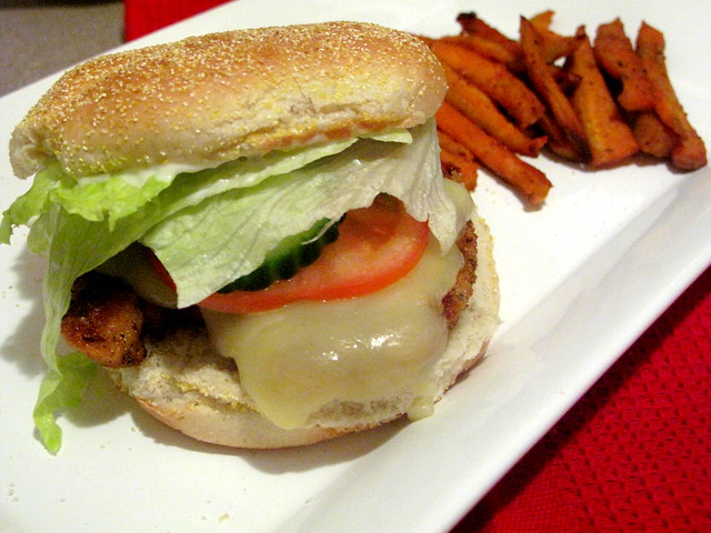 chicken-burger-sweet-potato-fries-3