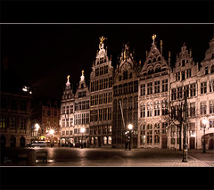 Antwerp by night ... (*Lie ... on a short break ... !) Tags: longexposure nikon nightshot lie antwerpen grotemarkt vlaanderen myhometown avondopname d90 photowalkmetfrank ergleuk