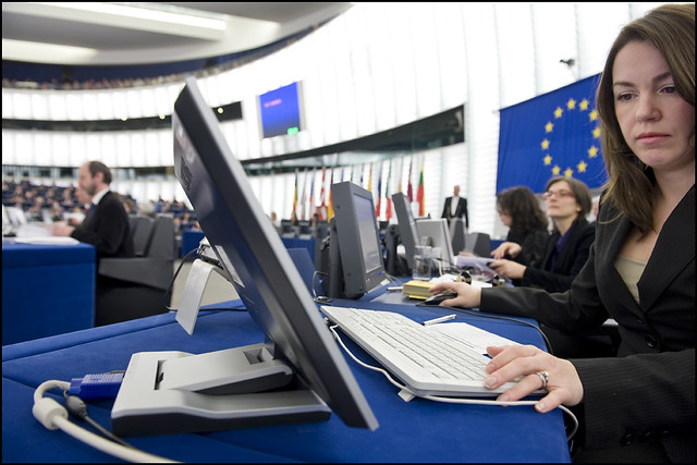 MEPs want banks/EU Institutions to help small businesses find finance