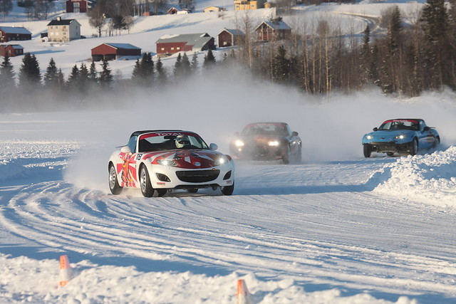 MX-5_Icerace2011_Race_183__jpg300