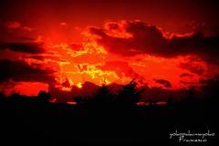 Puesta de sol en Cerdea (yokopakumayoko) Tags: sardegna sunset tramonto di nuoro top20colorpix tramontidisardegna meravigliosenuvole yokopakumayoko sunsetinsardinia fleursetpaysages puestadesolencerdea tramontiecolori meravigliositramonti fotografataanuoro llitedespaysages tramontifantasy tramontiinbarbagia