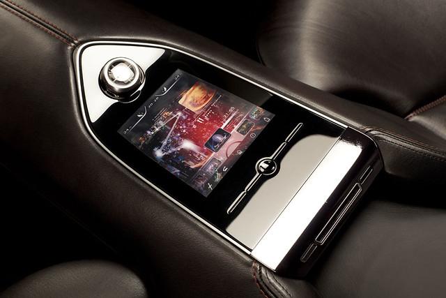 Mazda_Minagi_rear_console__jpg72