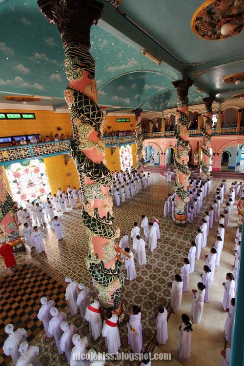 prayers inside Tay Ninh Holy See