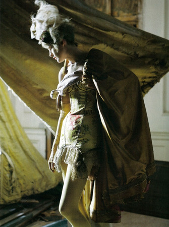 03 Tim Walker Vogue Italia
