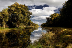 The Grand Canal, Kildare, Ireland. (2c..) Tags: autumn ireland sky cloud mountains reflection tree 20d water river landscape canal ambient 2c kildare cokildare 72dpipreview lowresolutionpreview
