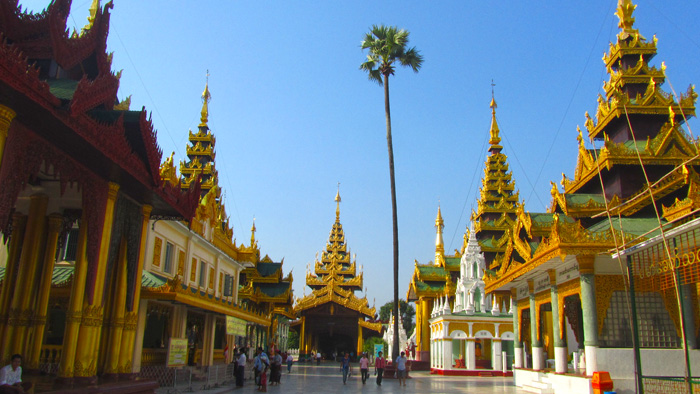 5511272638 fcb5cd8b85 o Shwedagon Pagoda   Pictures of Burmas Most Sacred Site