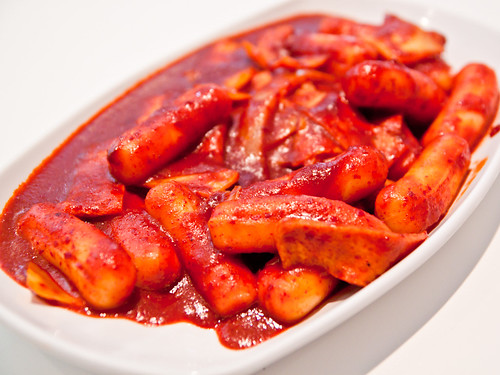 Ddukbokki (spicy rice cake)