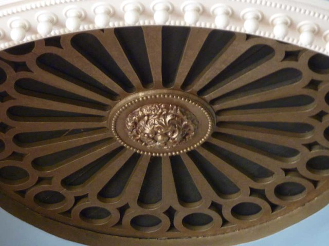 P1080829-2011-03-19-St-Paul-United-UMC-Ceiling-Medallion-detail