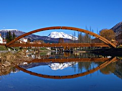 La nieve y el agua (Jesus_l) Tags: españa agua europa reflexions reflejos palencia montañapalentina velilladelríocarrión jesusl