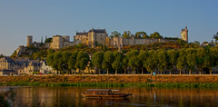 Chinon in the setting sun (pe_ha45) Tags: chinon vienne france château castle schloss burg eveninglight abendlicht loirevalley indreetloire centrevaldeloire