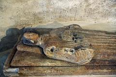Neuvy-Saint-Spulchre (Indre) (sybarite48) Tags: indre france neuvysaintspulchre collgialesaintetienne gisant recumbentfigure abbildungliegerad estatuayacente statuagiacente sarcophage sarcophagus  sarkophag  sarcfago  sarcofago sarcofaag sarkofag  lahit sculpture skulptur    escultura  scultura  sculptuur rzeba  heykel