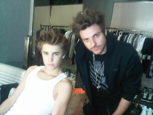 pics of justin bieber new haircut 2011. Justin Bieber new hair cut