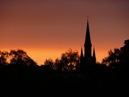 Halle Sunrise