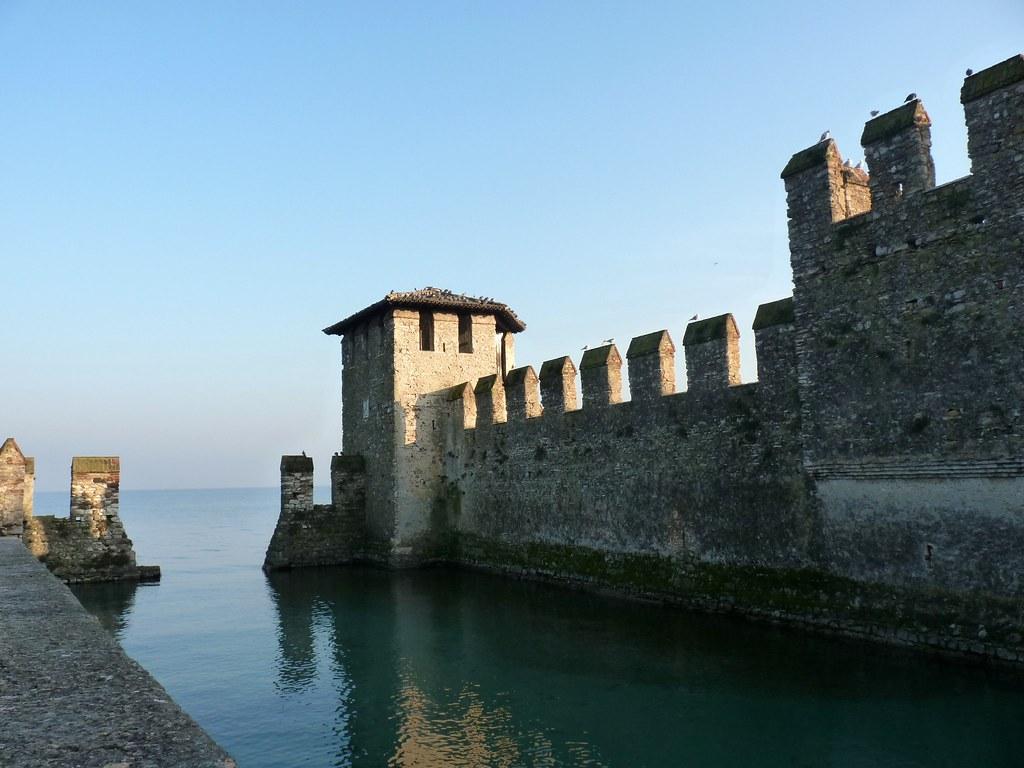 Sirmione (Bs) - Le difese della Rocca Scaligera