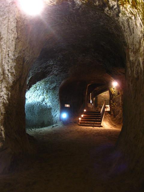 オルヴィエートの洞窟と階段のフリー写真素材