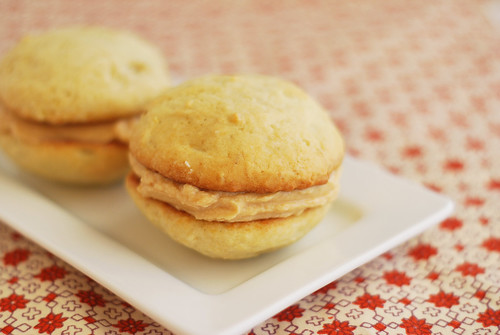 Banana Whoopie Pies with Peanut Butter Cream Cheese Frosting