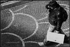 (Mattia Simoncelli) Tags: people bw white black canon ef70200mmf4l ragazzo camminare discesa studente