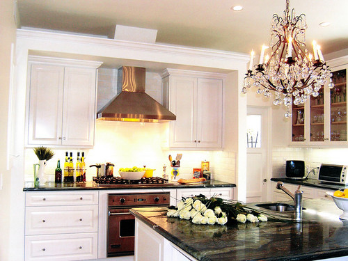 gilder-lori-traditional-white-kitchen_lg1