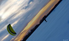 Quartier d'orange. Orange slice (Amiela40) Tags: snow ice river neige glace fleuve kitesurfer intrepide envoler flickraward
