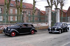 HOTCHKISS Cabourg (1939) et Anjou type 1350 (1950) (xavnco2) Tags: black france cars sedan french automobile antique autos common saloon classiccars berline picardie noire cabourg somme hotchkiss 1350 anjou 864 marcelcave gavap