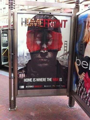 街のあちこちでHomefrontの宣伝を見かける。