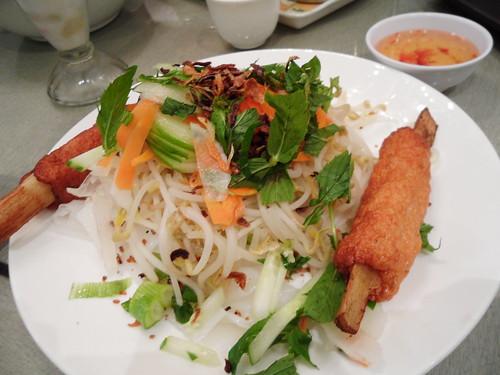 Phong Vinh 070311 Banh Ouc Chao Tom