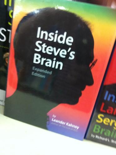 Steve Jobs - Thiên tài kinh doanh và câu chuyện thần kỳ về quả táo