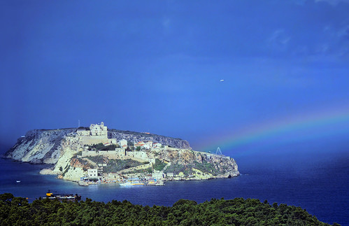 San Nicola with Rainbow - Isole Tremiti - Copyright by Martin Liebermann