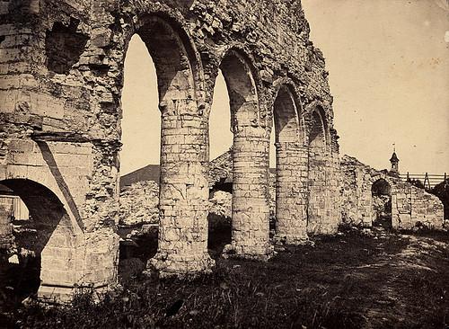 Ruiner av Hamar kirke 1863