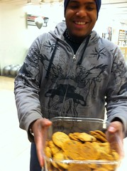 Apple employee offers cookies!