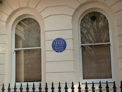 P1090164 Vivien Leigh lived here (londonconstant) Tags: london architect blueplaque builder sw1 belgravia cityofwestminster etonsquare thomascubitt londonconstant costilondra