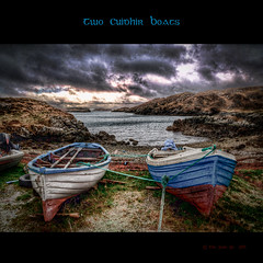 Two Cuidhir Boats (Grim Git) Tags: sea sky seaweed photoshop boats scotland cloudy north dramatic shore queer vignetting westernisles hdr lochs isleoflewis lightroom outerhebrides photomatix tonemapped tonemapping ranish hdraddicted nikond5000 raerinish cuidhir