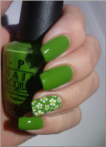Dainty Daisies with OPI Green-wich Village