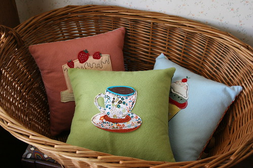 sew sweet pillow set