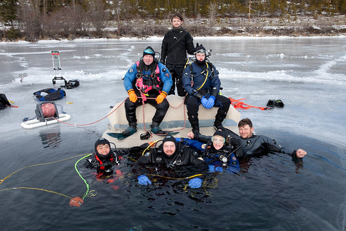 Ice divers group photo